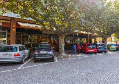 Restaurant Borenco gegenueber der Strasse